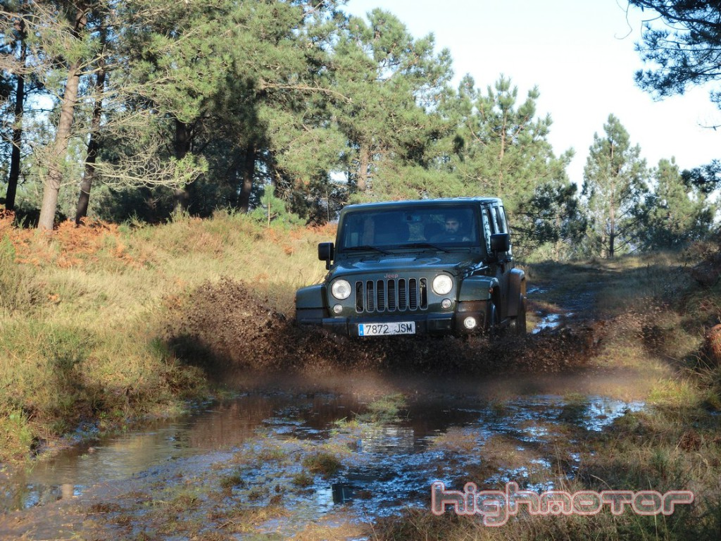 jeep-wrangler-unlimited-75-aniversario-1156