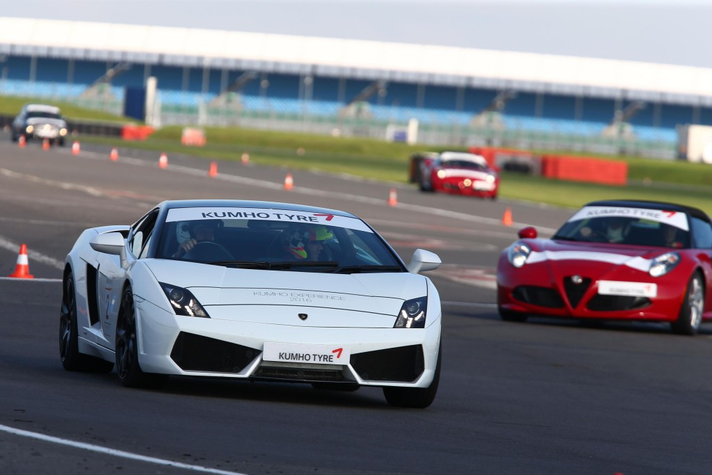 SILVERSTONE-TEST-ON-LAMBORGHINI