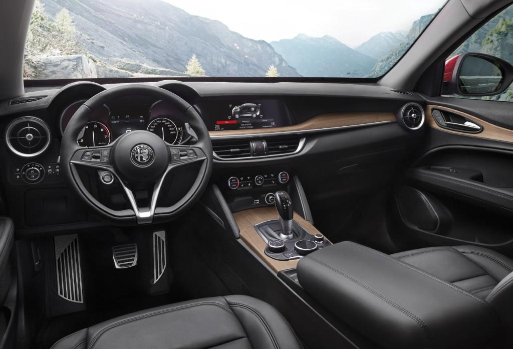 Alfa Romeo Stelvio (14)