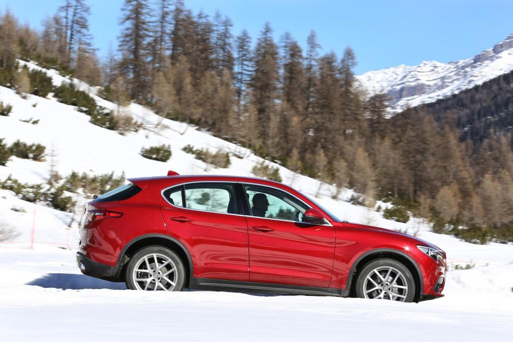 Alfa Romeo Stelvio (2)