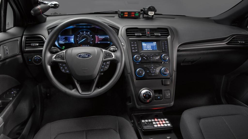 ford-police-responder-hybrid-sedan-05-1