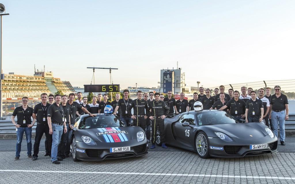 2014-Porsche-918-Spyder-Nurburgring-Record