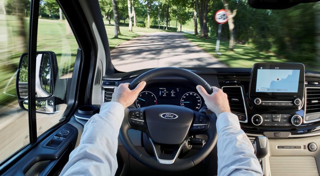 Ford Tourneo Custom, diseño renovado y un interior de características premium
