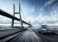 La Peugeot Partner Tepee Electric ya disponible desde 21.000 Euros