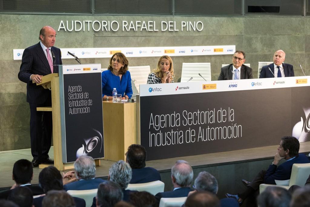 presentacion-agenda-industria-automocion-guindos