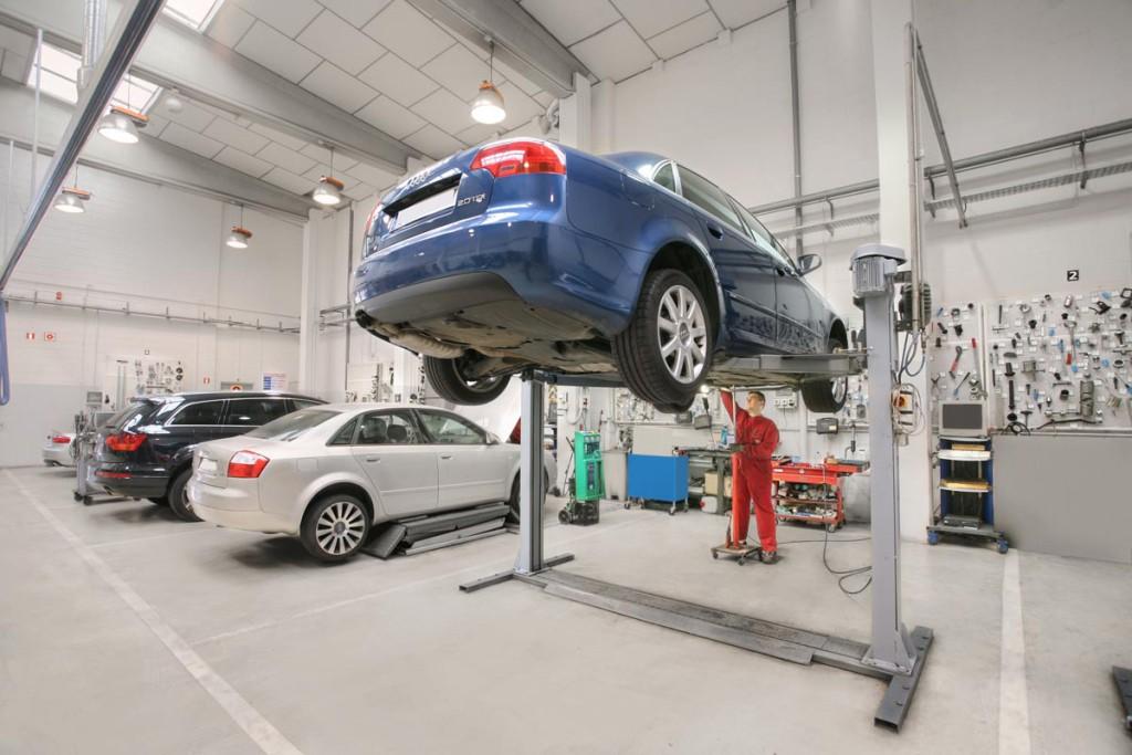 taller-mecanico-coche-2