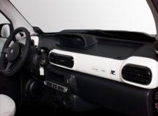 """El Citroën E-Mehari saca su lado más elegante con la edición limitada """"Styled by Courrèges"""""""