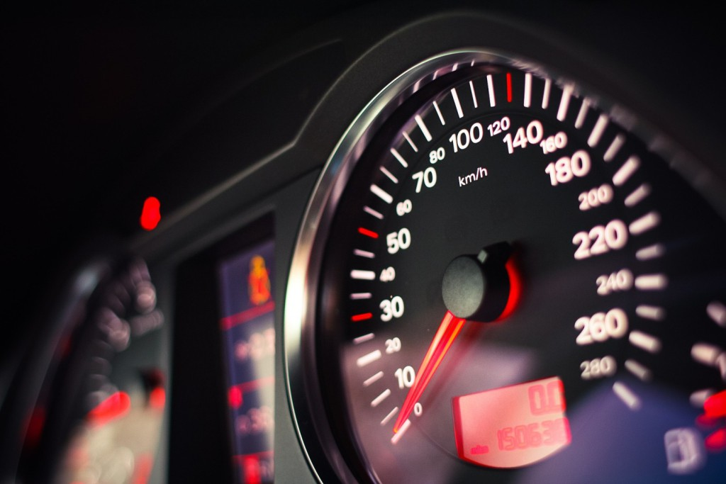 10 consejos para lograr una conducción eficiente y reducir el consumo de combustible