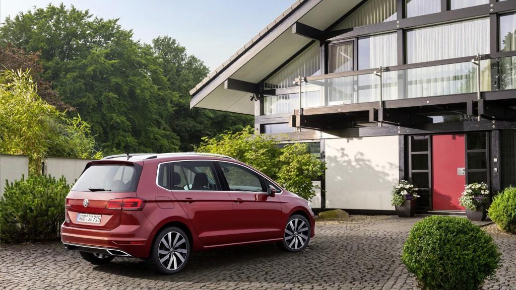volkswagen-golf-sportsvan-2018-hm-9