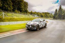 Alfa Romeo Stelvio Quadrifoglio, el SUV más rápido del mundo sobre el asfalto de Nürburgring