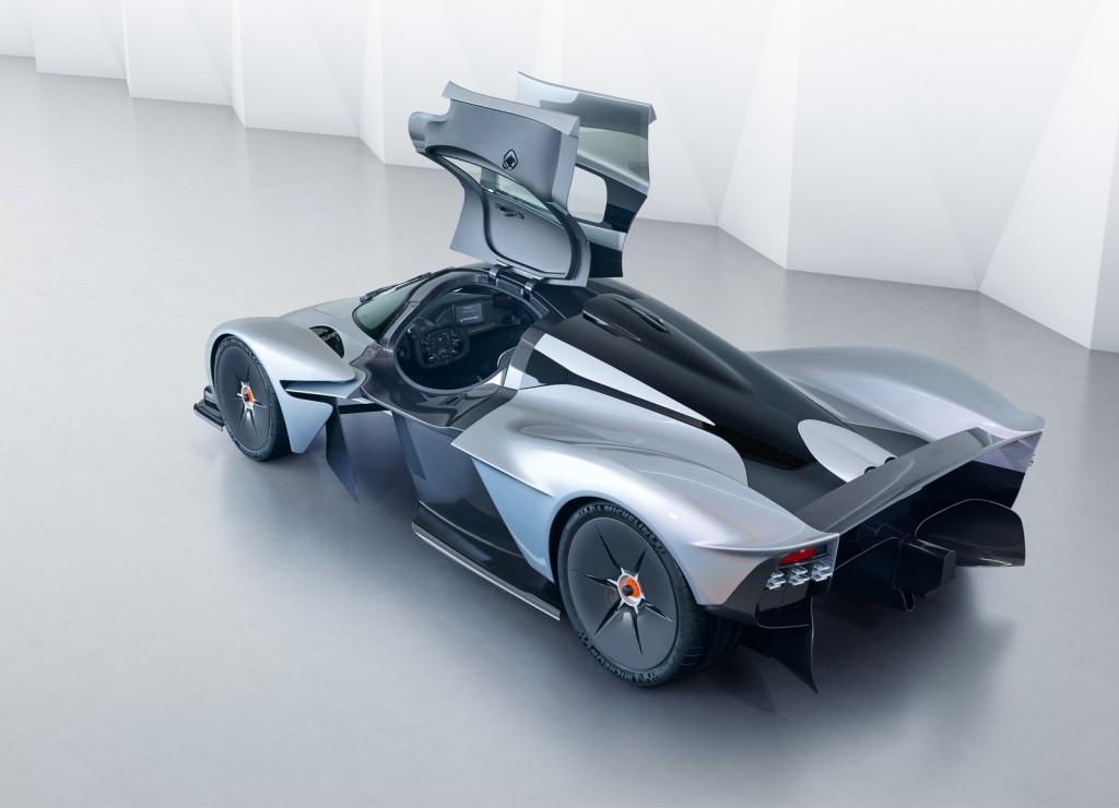 Aston-Martin-Valkyrie-Customization-3
