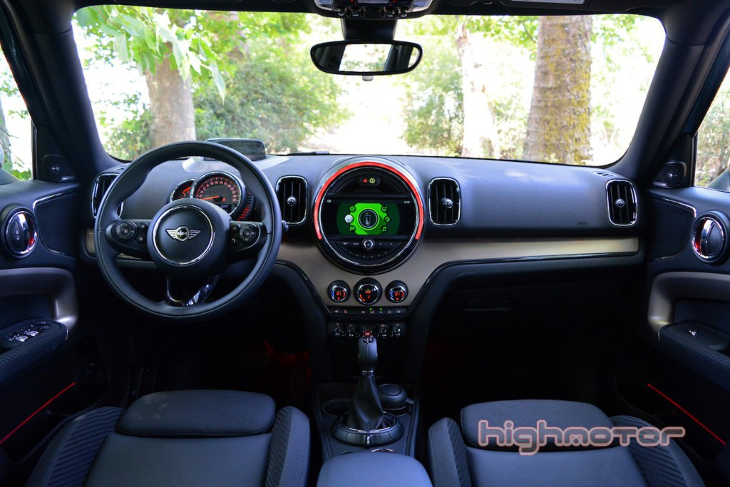 mini-countryman-hm-18