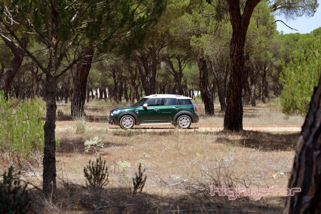 mini-countryman-hm-9