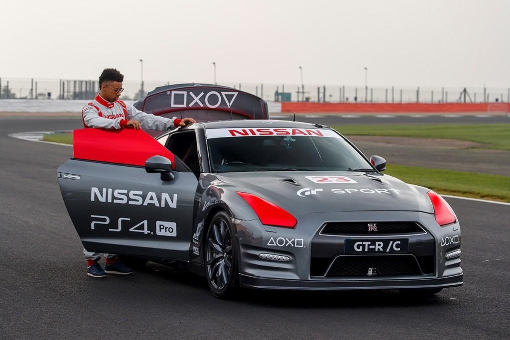 Nissan-gtr-06.jpg