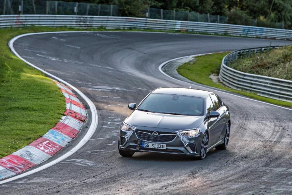 Opel-Insignia-GSi-04.jpg