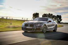 BMW nos pone los dientes largos con el nuevo Serie 8 rodando por circuito