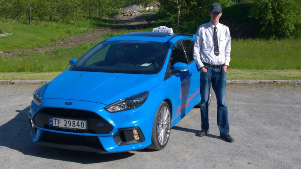 ford-focus-rs-taxi-3
