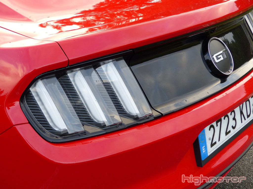 ford-mustang-gt-00153