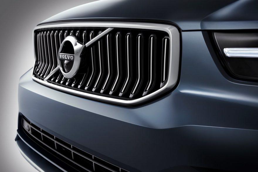 El Volvo XC40 recibe un nuevo motor de 3 cilindros y el nuevo nivel de acabado Inscription