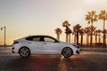 Hyundai sorprende con su i30 Fastback, un coupé cinco puertas para el segmento compacto