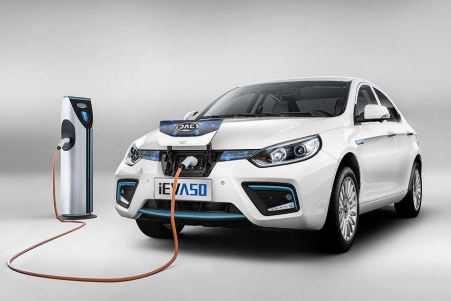 Mantenimiento coches eléctricos
