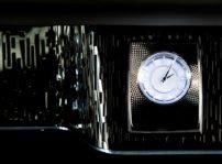 """Rolls-Royce quiere enseñar porque es """"La casa del lujo"""" en el Salón de Ginebra con tres nuevos Phantom y el Dawn Aero Cowling"""