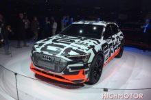 El prototipo Audi e-tron se muestra por fin en el Salón de Ginebra