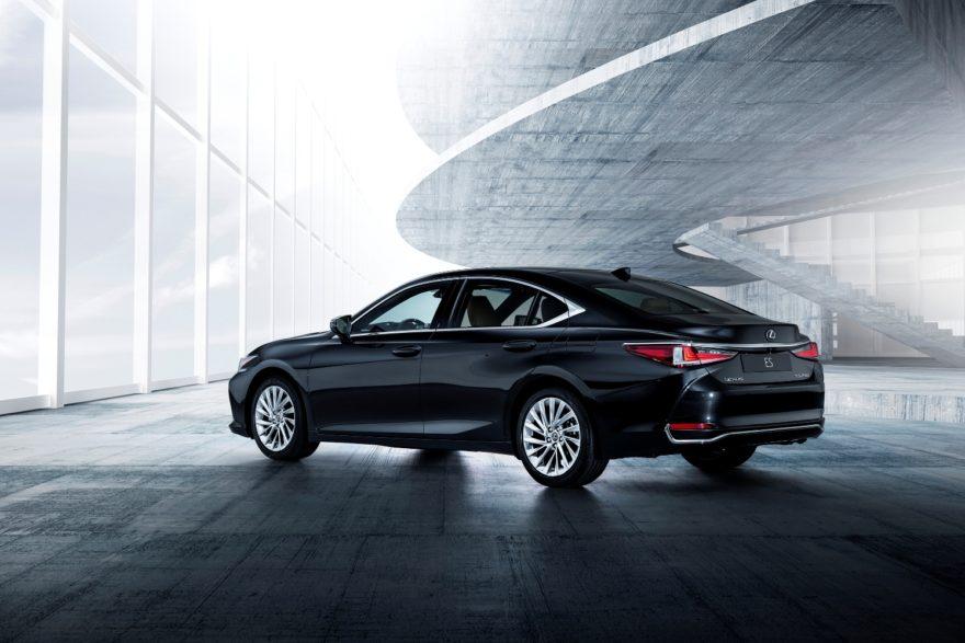 Lexus ES 300h, nuevo diseño y carácter para un modelo que pretende ser más global
