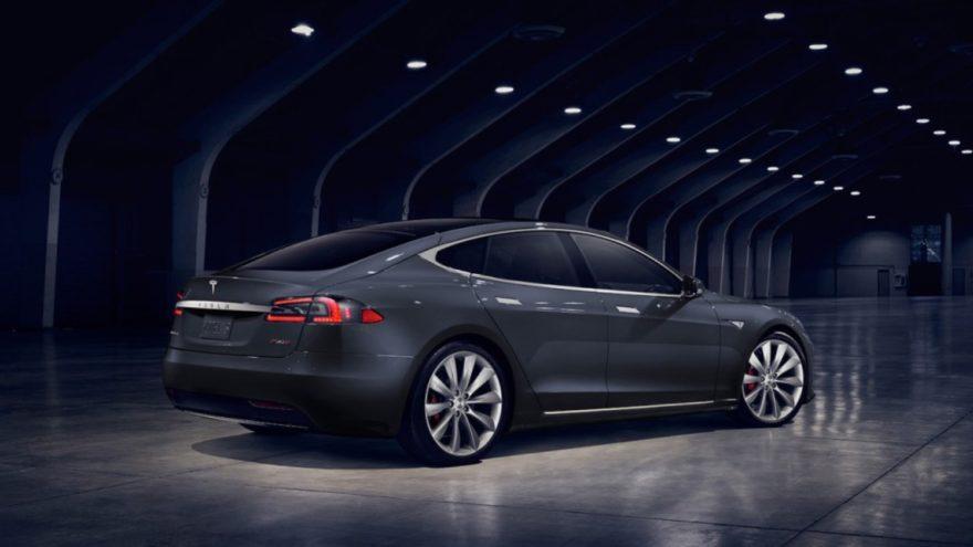 Tesla llama a revisión 123.000 unidades del Model S por el fallo de un componente en la dirección