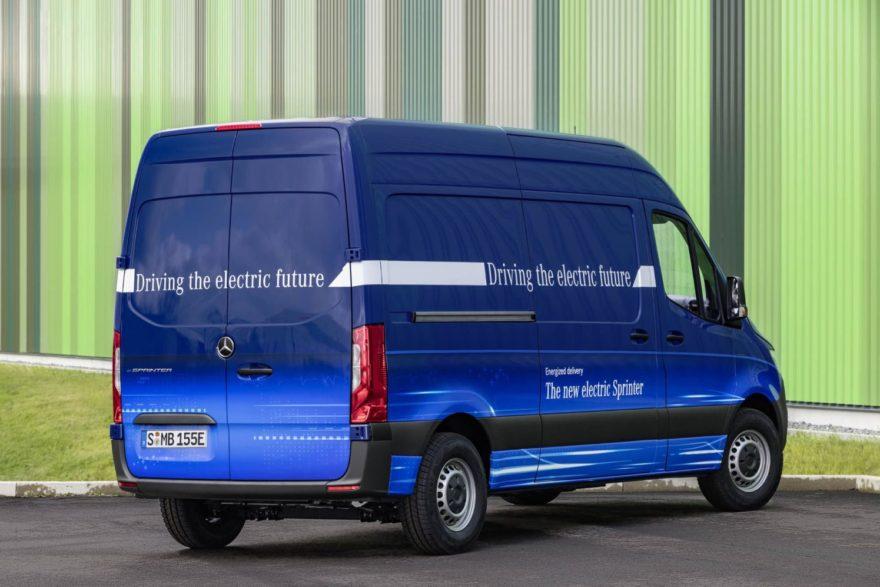 La Mercedes-Benz eSprinter llegará en 2019 como su segundo vehículo comercial eléctrico