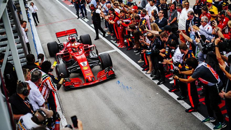 Vettel celebra su victoria en el GP de Canadá