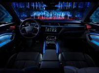 El Audi e-tron prototype desvela su tecnológico interior en la Royal Danish Playhouse