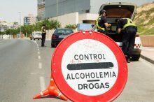 Alcohol, cinturón de seguridad y uso del móvil: las infracciones más frecuentes, según la DGT