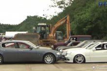 Vas a llorar: 68 coches de lujo aplastados por apisonadoras en Filipinas porque son de contrabando