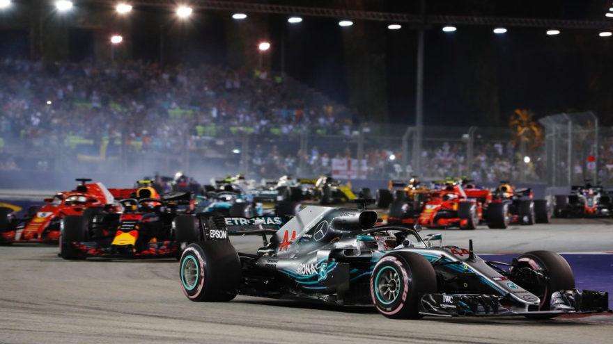 Hamilton consiguió la victoria en Marina Bay