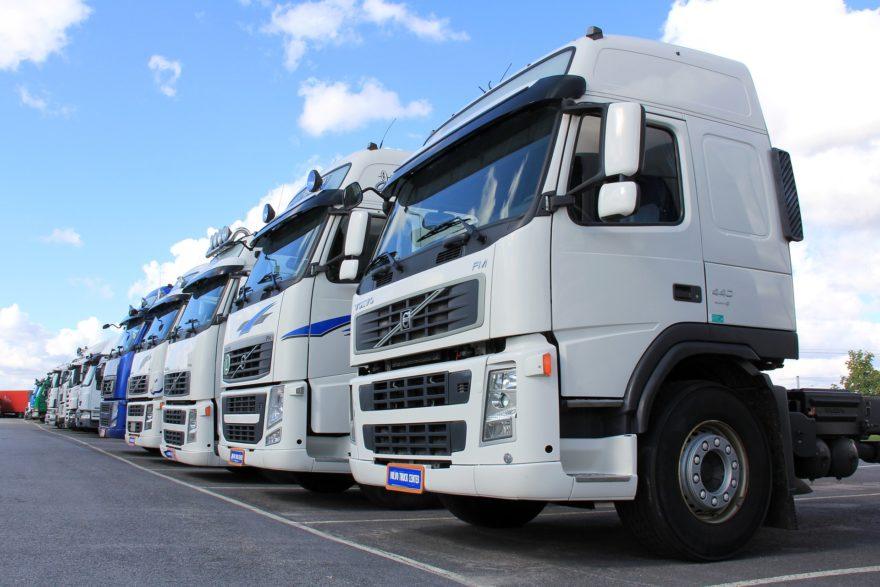 Alquiler furgonetas y camiones