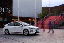 Hyundai instalará placas solares en sus vehículos a partir de 2019