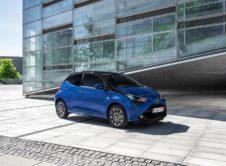 Nuevo Toyota Aygo x-clusiv, con un nuevo color específico de carrocería y abundante equipamiento de serie