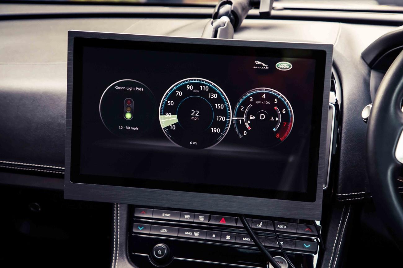 Jaguar Land Rover V2X - GLOSA