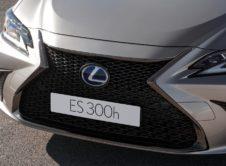 Lexus Es 300h 2019 (13)