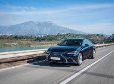 Lexus Es 300h 2019 (15)