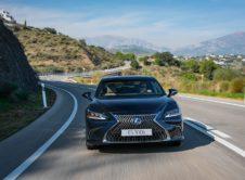 Lexus Es 300h 2019 (16)
