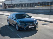 Lexus Es 300h 2019 (18)
