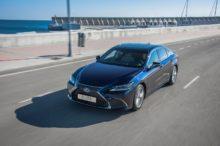 El nuevo Lexus ES 300h aterriza en España con un precio de salida de 45.000 euros