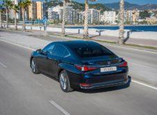 Lexus Es 300h 2019 (20)