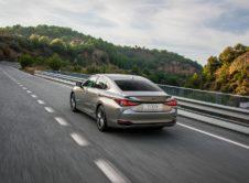Lexus Es 300h 2019 (22)