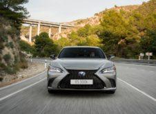 Lexus Es 300h 2019 (25)