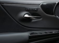 Lexus Es 300h 2019 (3)