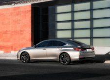 Lexus Es 300h 2019 (31)