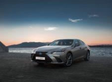 Lexus Es 300h 2019 (36)